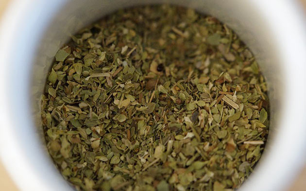 dried herbs oregano